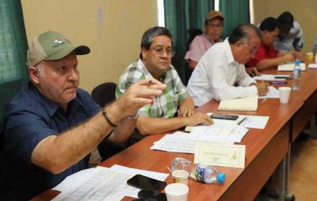 Reunión de la Cadena Agroalimentaria de Maíz y Sorgo celebrada ayer en Divisa. Foto: IMA