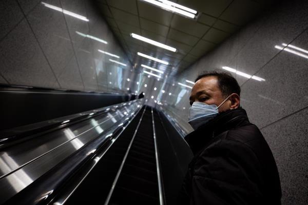 Las autoridades niponas ya aplicaban restricciones a la entrada de extranjeros que hayan estado en las dos semanas precedentes en las regiones de Corea del Sur y de China más afectadas por el COVID-19. FOTO/EFE
