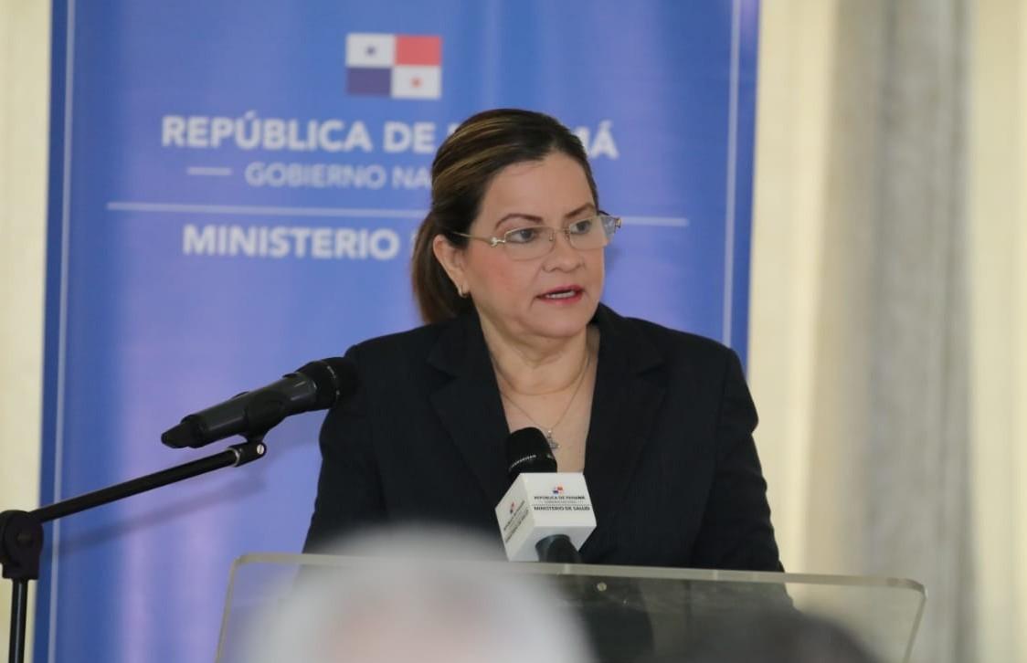 La ministra de Salud, Rosario Turner, declaró que se realiza investigación del viajero sospechoso de coronavirus que pasó por Panamá.