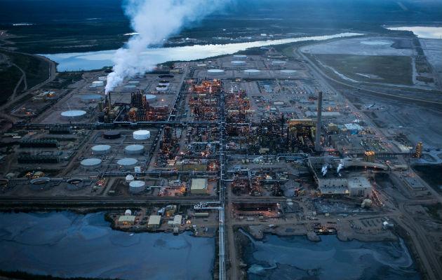 Instituciones financieras globales han desinvertido de la industria petrolera de Alberta, pero la producción crece. Foto / Ian Willms para The New York Times.