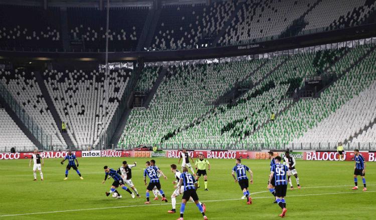 Partido entre Juventus e Inter se jugó a puertas cerrada en Italia. Foto AP