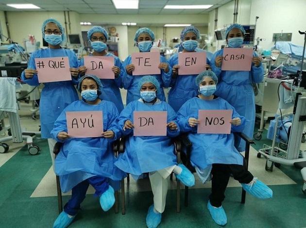 Personal de salud del servicio del Complejo Hospitalario Doctor Arnulfo Arias Madrid envía un mensaje a todo el pueblo panameño por la llegada del coronavirus: #QuédateEnCasa