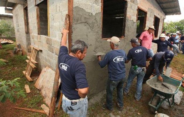 Trabajadores del Miviot laborarán desde sus casas como medida de prevención.