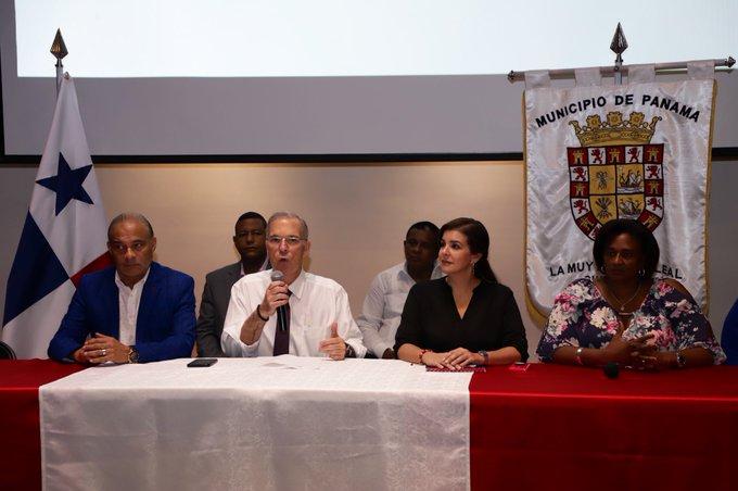 El alcalde capitalino José Luis Fábrega dijo que el envío de la placa vehicular será gratuito.