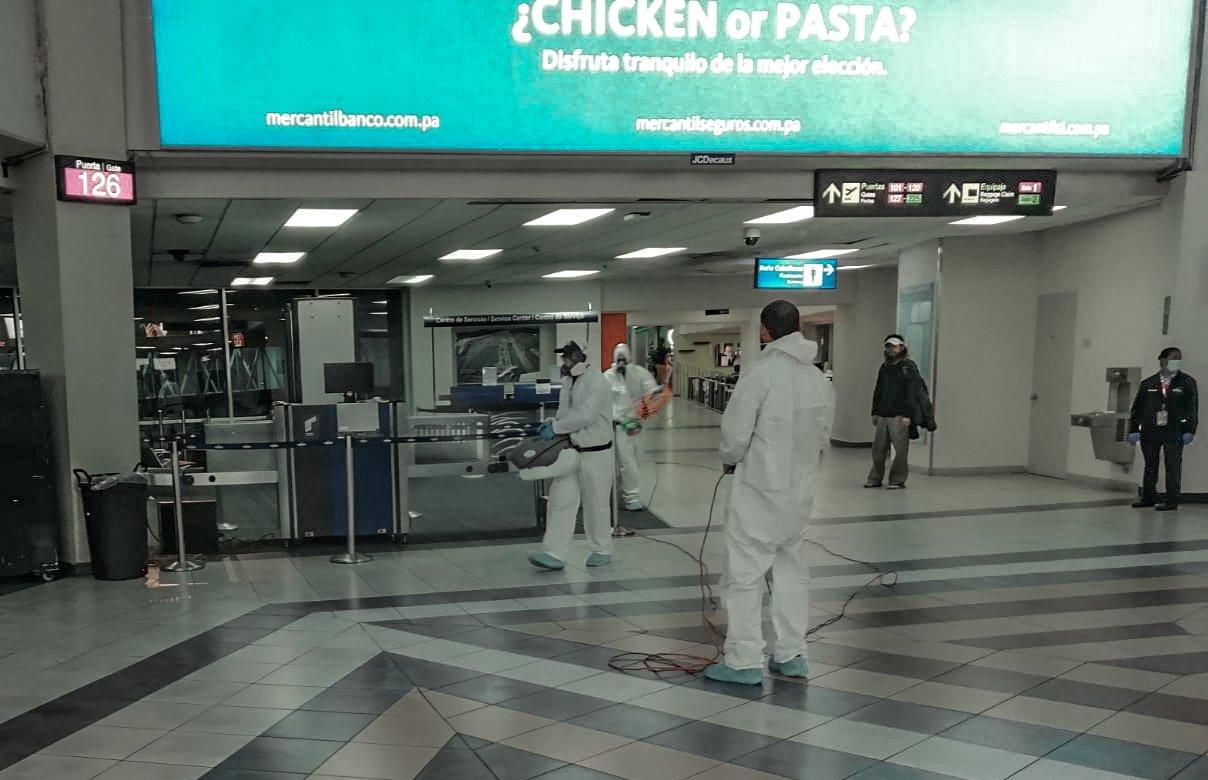 En el Aeropuerto Internacional de Tocumen siguen implementando un plan intensivo de limpieza para prevención del COVID-19.
