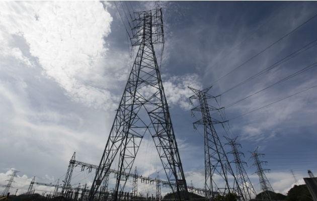 La demanda de electricidad ha aumentado porque ahora hay más panameños en cuarentena.