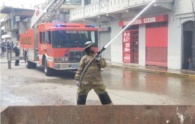Los bomberos han estado brindando apoyo durante la pandemia del COVID-19.