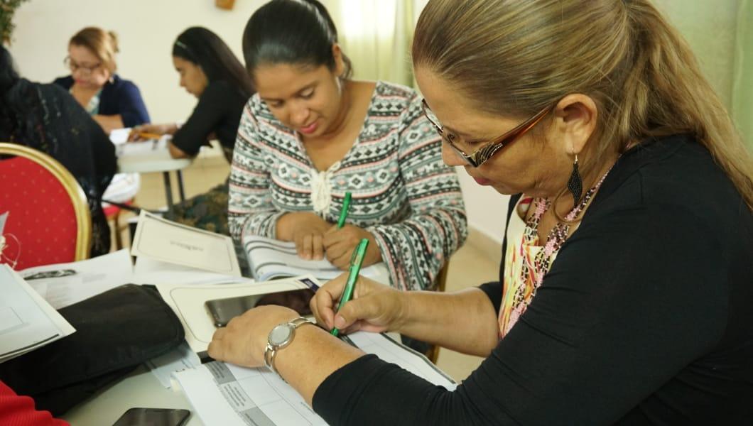 Estructuran una capacitación virtual y abierta de 40 horas para docentes.