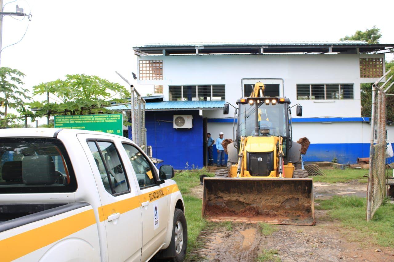 El Idaan, habilitó generadores que estuvieron trabajando por varias horas continuas para evitar el desabastecimiento de agua en Chitré, Monagrillo y alrededores.