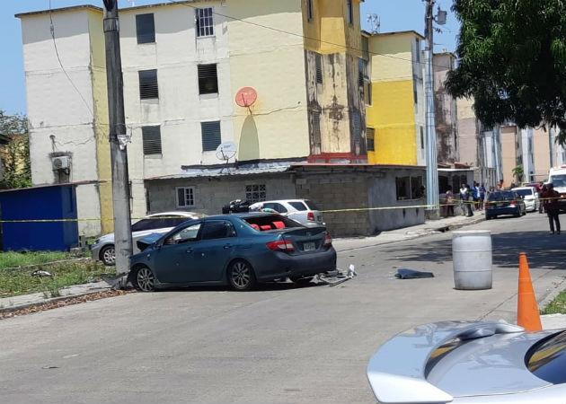 El vehículo donde iba Ángel Pacheco Palacios se estrelló contra un poste de luz. Foto: Diómedes Sánchez.