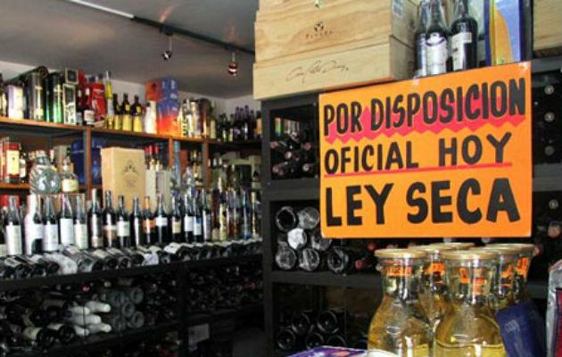 A pesar de la prohibición el domingo se decomisaron 600 cajas de licor en la frontera entre Panamá y Costa Rica. Foto: Panamá América.