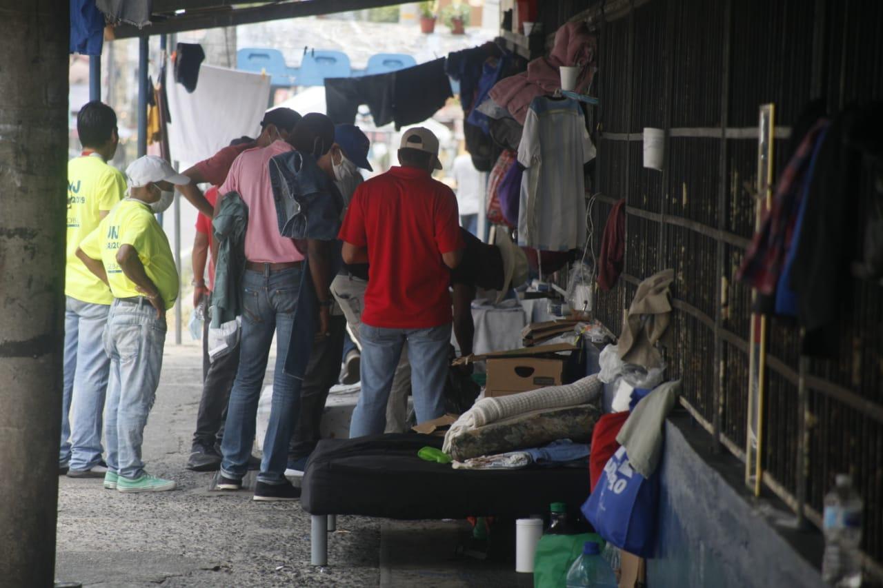 La escuela República de Chile ha servido de hogar para estas personas.