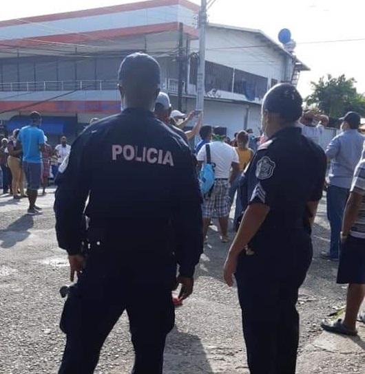 Estas protestas se han intensificado en los últimos días, en varios puntos de Colón. Foto/Diomedes Sánchez
