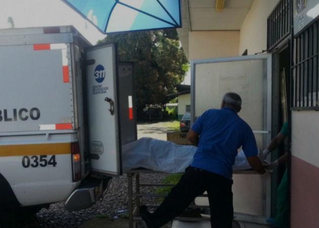 El cuerpo de la unidad policial fue llevado este sábado a la morgue judicial en el distrito de David. Fotos: Mayra Madrid.