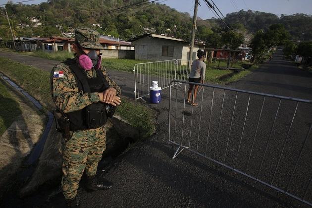 Hasta este jueves se han realizado 30.749 pruebas de COVID-19 en Panamá. Foto EFE