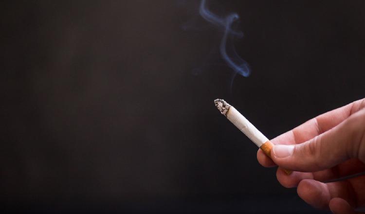 Vapear pone en riesgo a los pulmones.  Pixabay