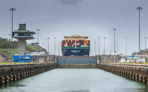 El buque inició su recorrido en las esclusas de Cocolí, en el Pacífico, y culminó en Agua Clara, en el Atlántico.