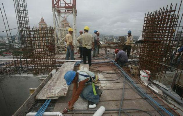 El sector construcción es el tercer generador de empleo en el país con 172 mil 877 y aporta el 15% al producto interno bruto. Foto/Archivo