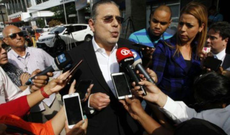 Fonseca Mora habla a los medios sobre Juan Carlos Varela y Odebrecht.