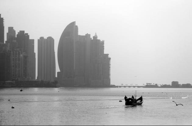 Como las industrias y el comercio están paralizados en casi todo el planeta, la atmósfera se encuentra más limpia, lo que retarda el cambio climático. Foto: AP.