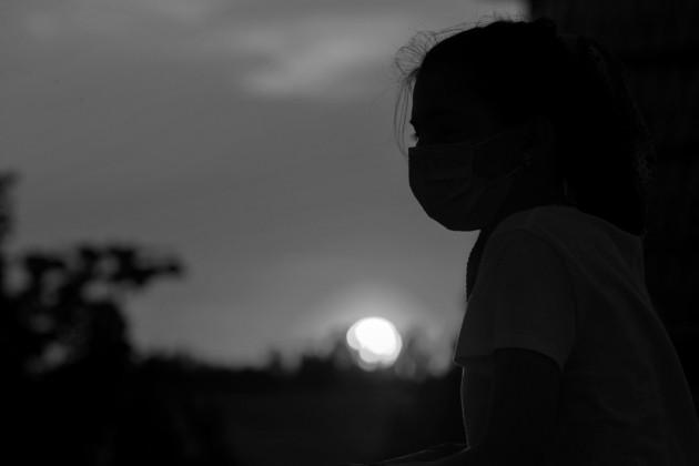 Un temor que queda casi impreso en el genoma humano de las generaciones venideras que ven cómo sucumben por los miles los seres más queridos y las personas con las que antes frecuentaban. Foto: EFE.