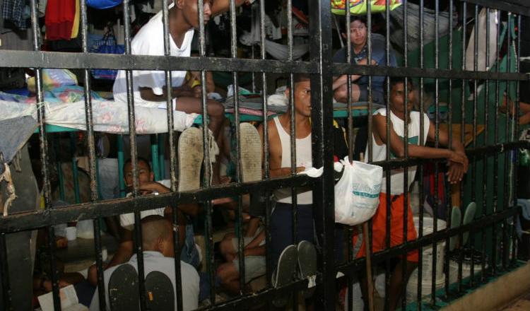Hacinamiento carcelario se da en la mayoría de los centros penales del país.