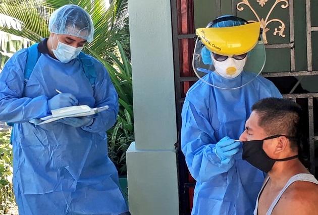 En las últimas 24 horas se hicieron en Panamá 2.233 pruebas nuevas de detección de contagio del nuevo coronavirus.