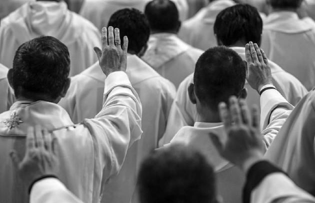 El Santo Espíritu se derramó ese día sobre cada uno de ellos y no ha parado de derramarse sobre toda la humanidad como lo profetizara Joel. Foto: EFE.
