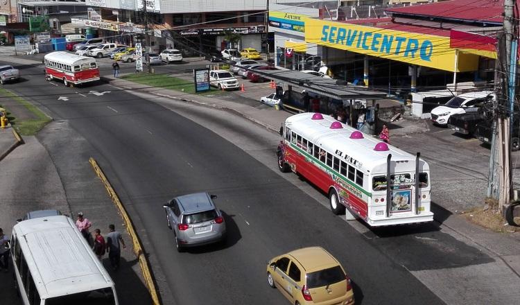 Las calles del país colapsan en las horas pico por la gran cantidad de vehículos.