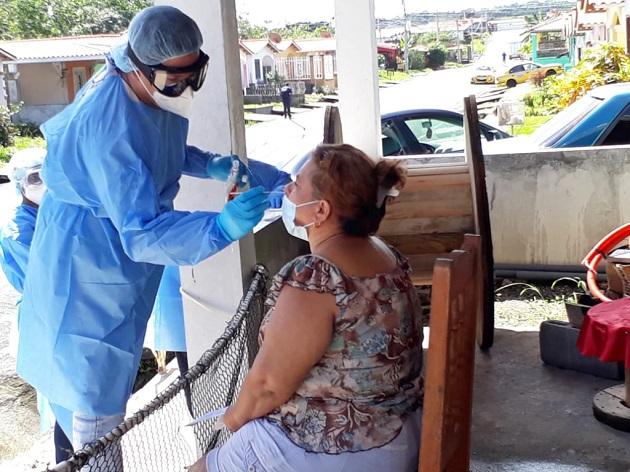 Los 848 casos nuevos de COVID-19 que se reportaron el sábado 13 de julio, aparecieron luego de que se realizaron 2.695 pruebas nuevas.
