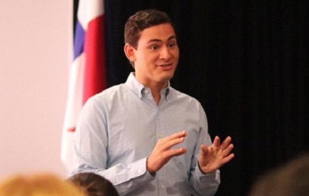 Juan Diego Vásquez  es uno de los diputados más populares del país.