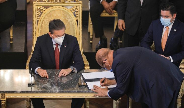 Algunos analistas consideran que el gran reto del presidente Laurentino Cortizo es demostrar su liderazgo. Foto Archivo.