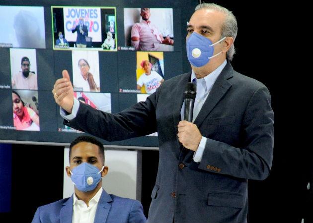 Luis Abinader, candidato presidencial del opositor Partido Revolucionario Moderno (PRM). Fotos:EFE.