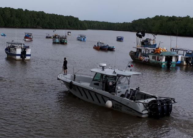 La búsqueda se inició bajo estrictas medidas de seguridad ya que el río San Pablo mantiene fuertes corrientes por la crecidas ante las constantes lluvias. Foto: Melquíades Vásquez.