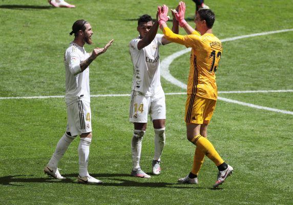 Jugadores del Real Madrid festejan. Foto:EFE