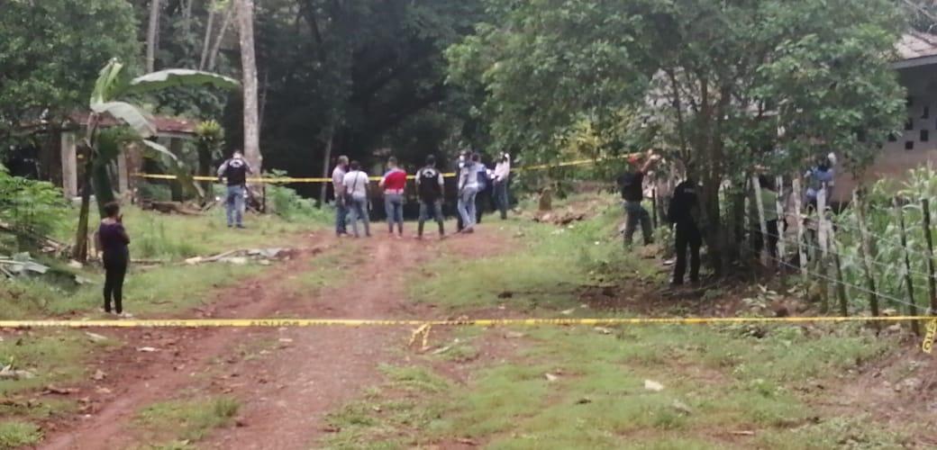 Una mujer y su hija fueron asesinadas en una residencia en la comunidad de Río Rita Norte.
