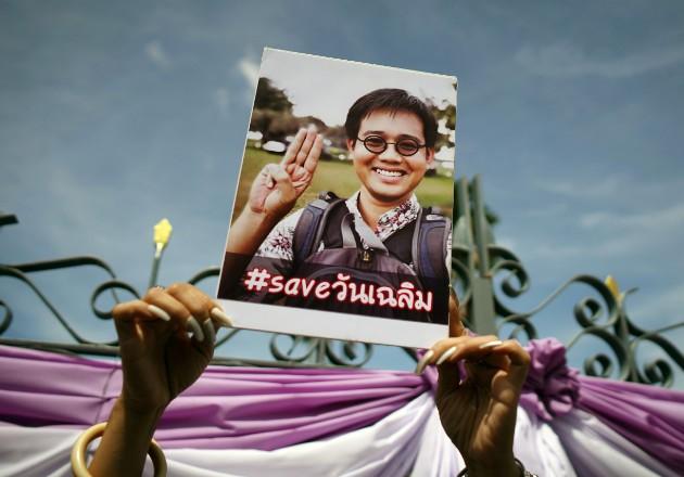 Activistas buscan conocer el paradero de Wanchalerm Satsaksit. Foto / Athit Perawongmetha/Reuters.