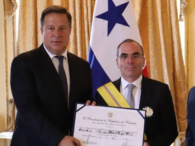 Rolando López (dcha.) fue jefe del Consejo de Seguridad y Defensa Nacional durante la administración de Juan Carlos Varela.