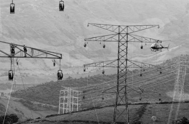 Las hidroeléctricas no solo aportan energía firme, sino que también benefician la operación de los sistemas integrados con el respaldo de las instalaciones tipo eólicas y solares. Foto: EFE.