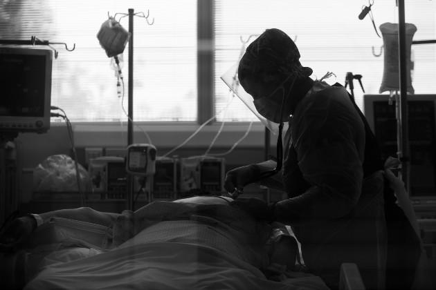 La epidemia es una enfermedad que ataca, a un mismo tiempo y un mismo lugar, a una multitud de personas, por ello se refiere únicamente a las enfermedades humanas. Foto: EFE.
