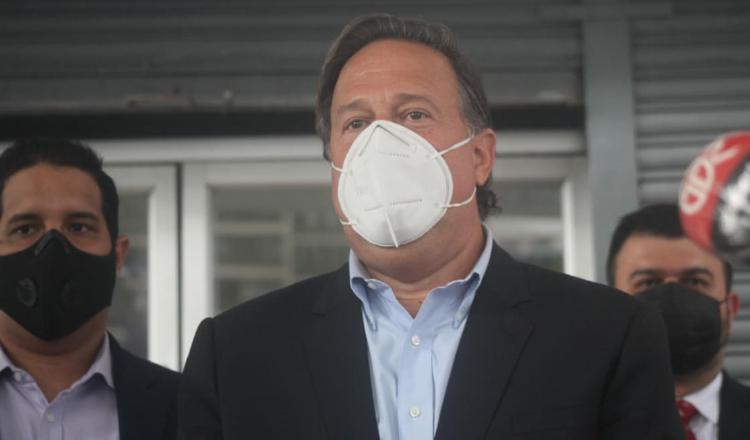 Juan Carlos Varela a su salida ayer de rendir indagatoria en el Ministerio Público por el caso Odebrecht. Foto: Víctor Arosemena