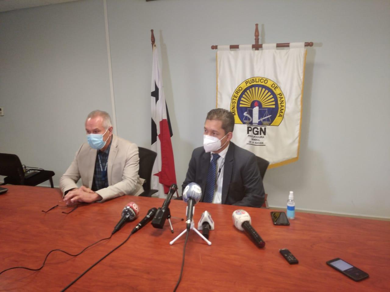 Los fiscales Adolfo Pineday Edwin Juárez hablaron del caso en conferencia de prensa.