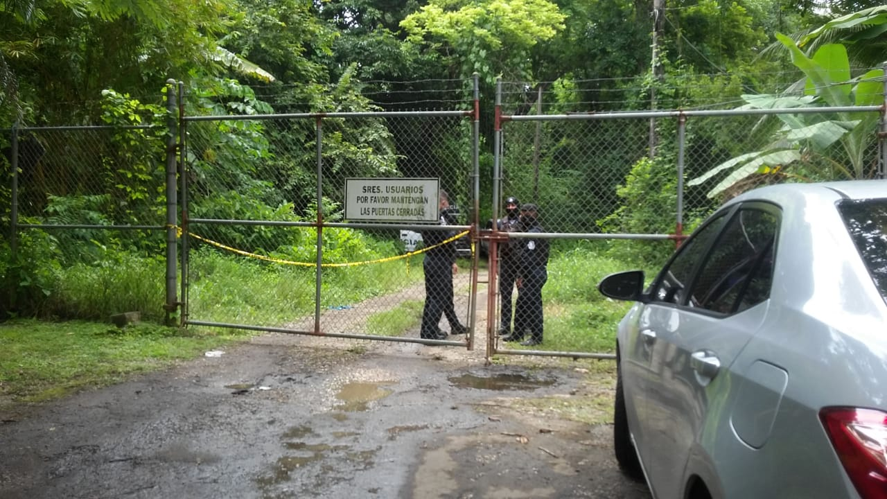 El joven se mantenía en prisión luego de que fuera capturado el 18 de julio por la Policía durante un operativo en la comunidad de Achiote en la Costa Abajo de Colón. El Ministerio Público informó que a eso de las 3:00 de la madrugada fue cuando se logró la aprehensión de esta persona.