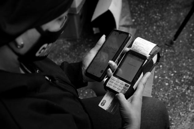 Personalización, disponibilidad y seguridad, los factores que impactan en el sentir de los usuarios. Foto: EFE.