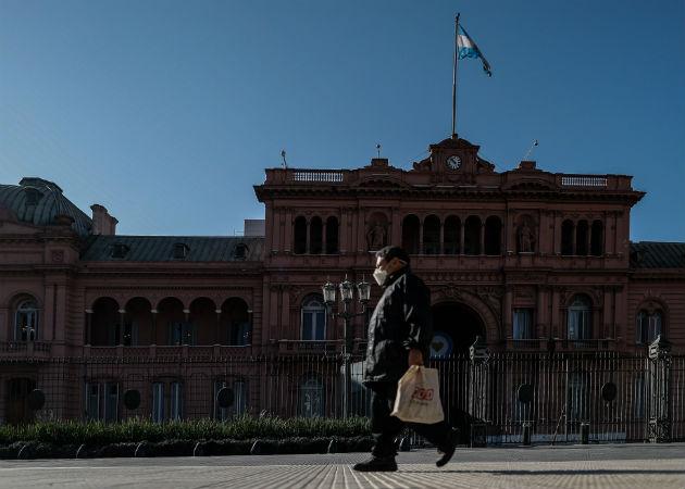 Casa de Gobierno en Buenos Aires, donde hay esperanzas de que la vacuna rusa llegue a todos estratos sociales. Fotos: EFE.