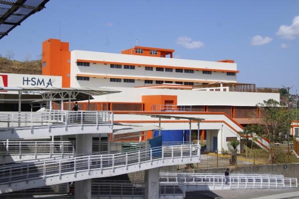 Sicarelle Holdings Inc., empresa que ofrece los servicios de limpieza especializados en hospitales, instituciones públicas y empresas privadas desde 2011.
