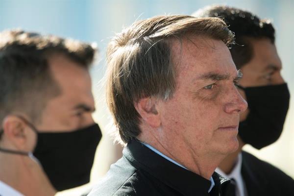 El índice de rechazo de Jair Bolsonaro cayó diez puntos, desde el 44% hasta el 34%, mientras que otro 27% consideró que la actuación de su Gobierno es