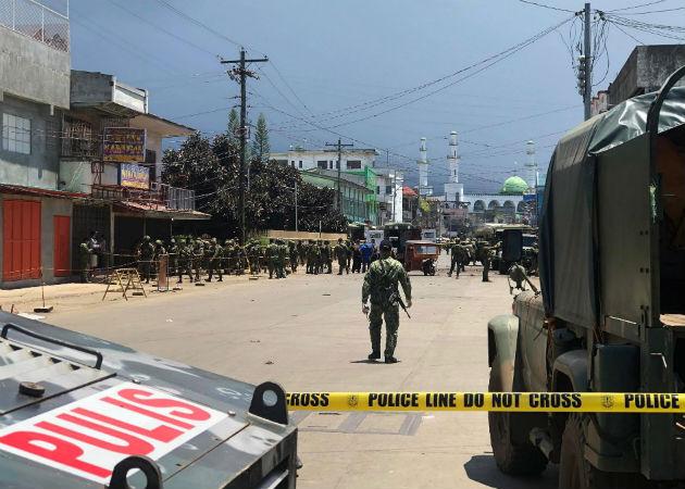 El doble atentado se perpertró en una céntrica plaza de Jolo en Mindanao. Fotos: EFE.,
