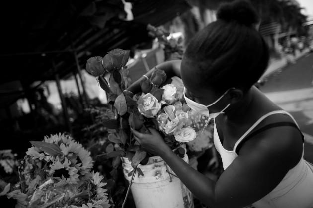 Los informales en Panamá bordean el 50% de la población económicamente activa. Por consiguiente, un gran segmento que está entre los más golpeados por la pandemia. Foto: EFE.