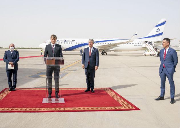 La delegación israelí, encabezada por el asesor de Seguridad Nacional, Meir Ben Shabat, llegó hoy a Abu Dabu junto con altos cargos de EE.UU. Fotos: EFE.